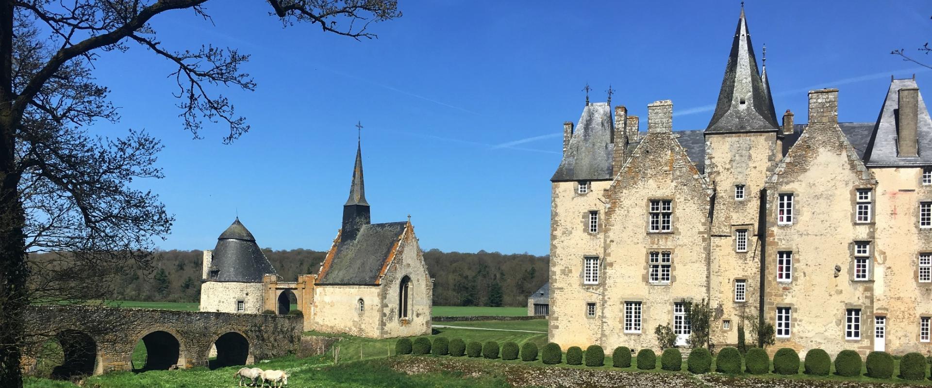 château de bourgon à montourtier en Mayenne