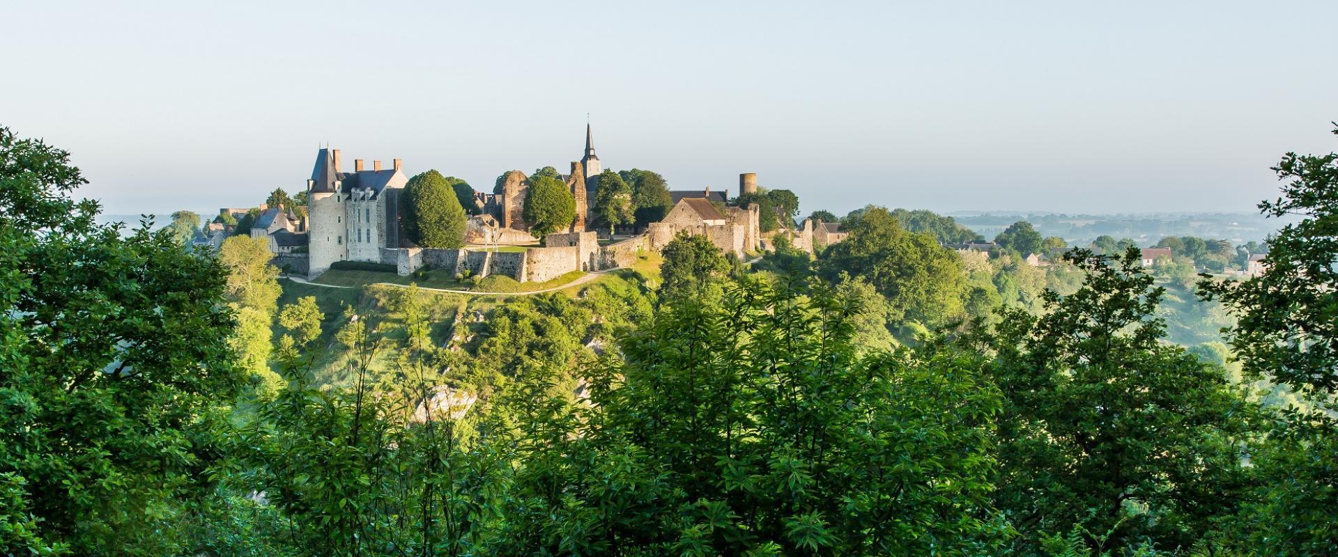 Sainte-Suzanne-cité-médiévale