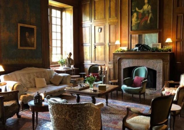 salon du château de Bourgon à Montourtier