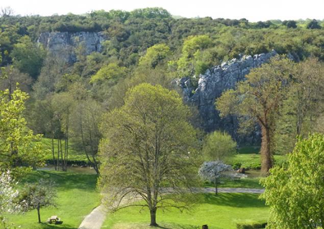 Vallée  des grottes de Saulges en Mayenne