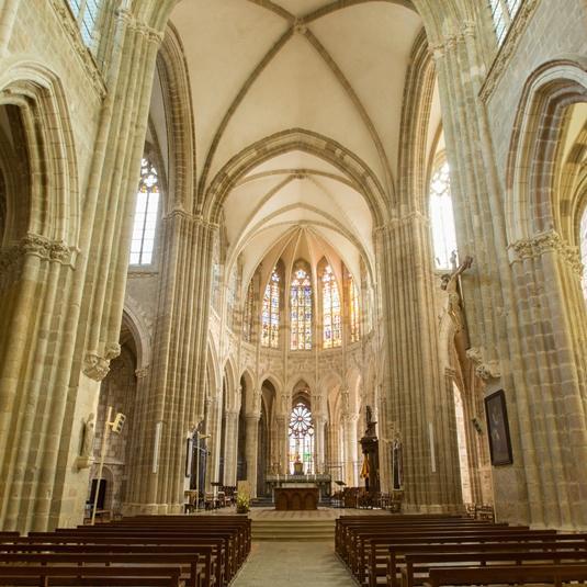Basilique d'Evron en Mayenne