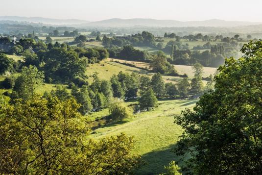 Vue sur la campagne près de Sainte-Suzanne en Mayenne