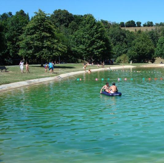 Baignade au Petit Saint-Cénéré à Saulges en Mayenne
