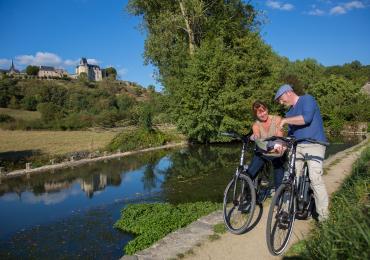 Balade-rando à vélo, Sainte-Suzanne en Mayenne