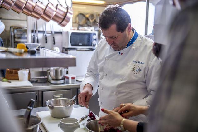 Cours de cuisine au Relais du Gué de Selle à Mézangers ©J.Froc
